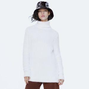 Zara Fuzzy Ecru Turtleneck Knit Sweater- Like New!